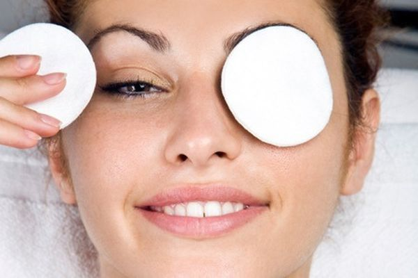 Top 10 Tips To Get Rid Of Bags Under Your Eyes
