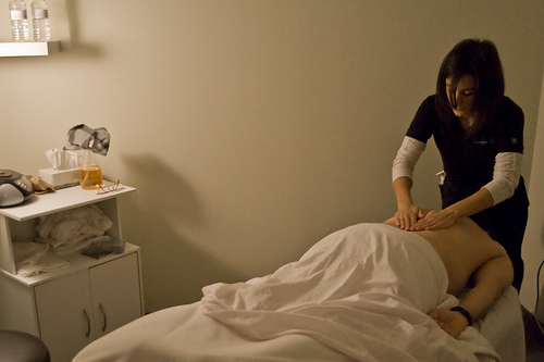 Using Massage Therapy As A Treatment For Chronic Back Pain