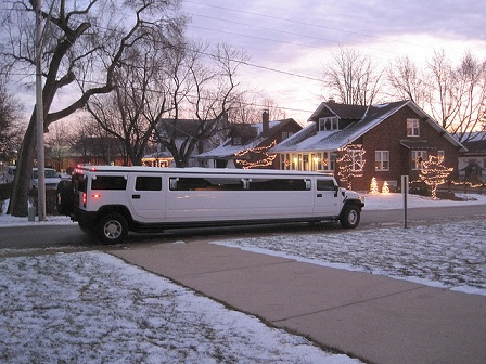 A Groom's Guide To Limousine Hires Services