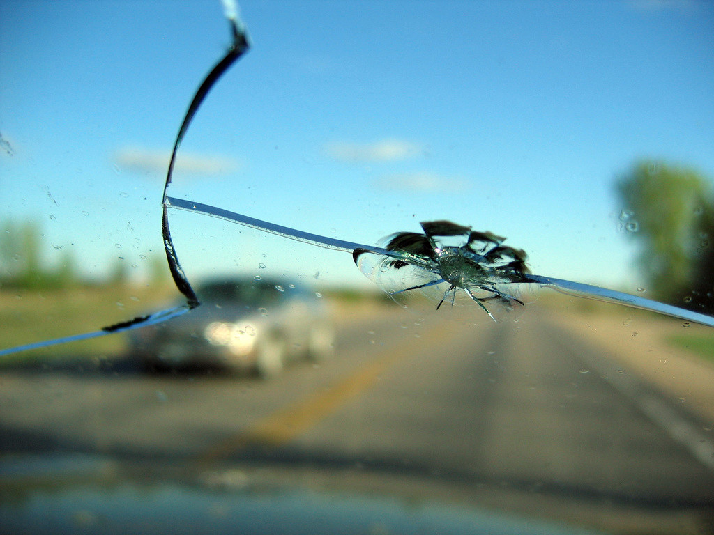 Basic Windshield Cracks and How To Repair
