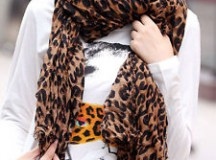 How To Choose Prints For Fashion Scarves