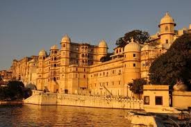A Perfect Holiday Trip To The Amazing Udaipur With Your Friends