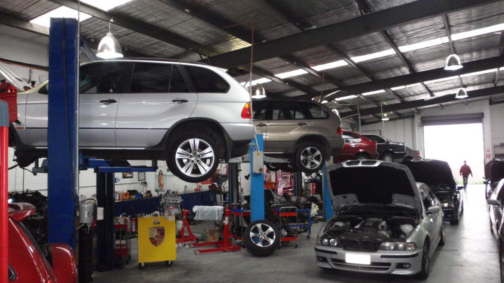 OGS Mechanics For The Quality Car Service In London
