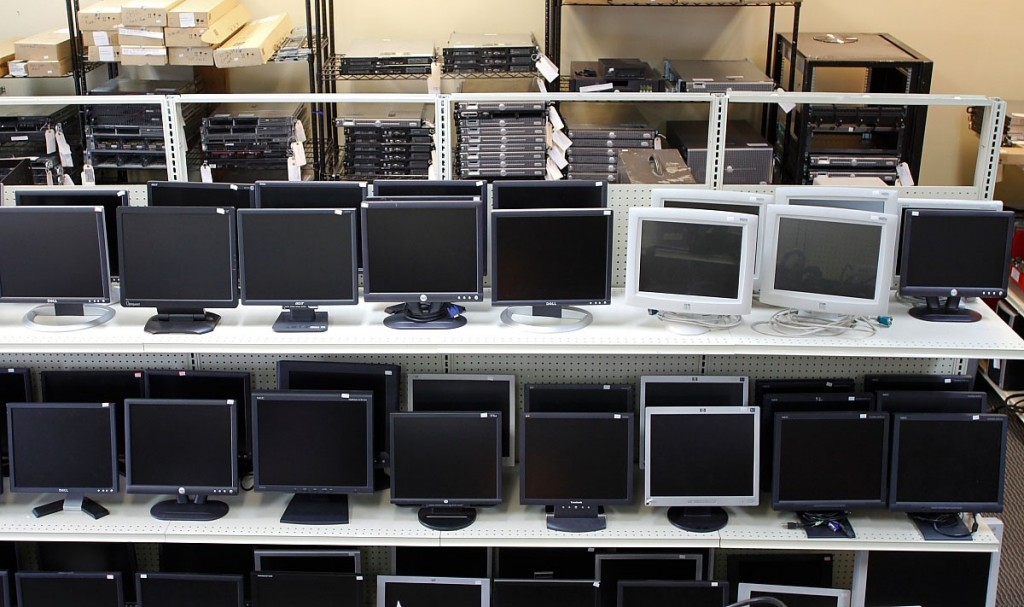 Why Many People Prefer To Buy Second Hand Computers
